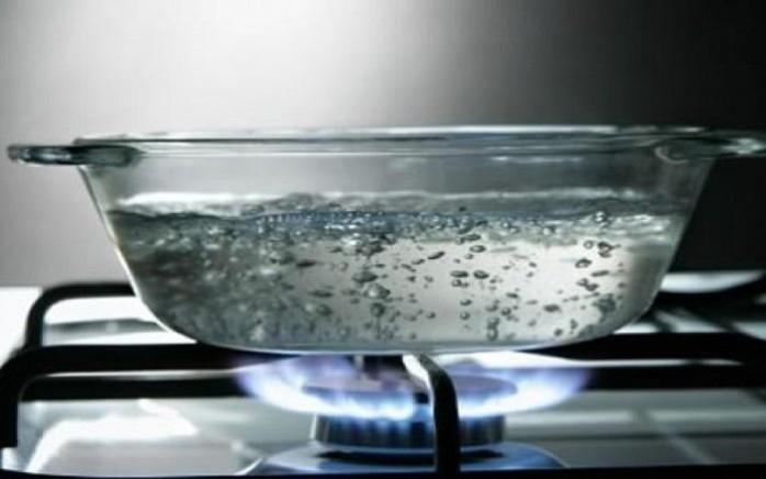 img_o_que_fazer_se_me_queimar_com_agua_fervendo_12985_orig